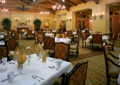 Maravilla-Senior-Living-Community-Dining-Hall-Santa-Barbara