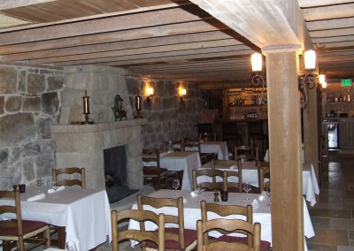 Plow-Angel-Restaurant-Interior